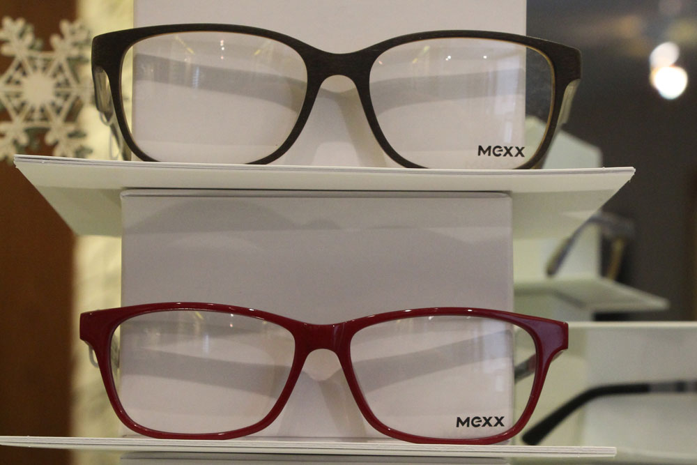 glasses-display